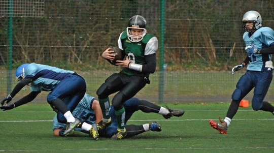 Finlay Brown avoids two potential tacklers to gain more yards!