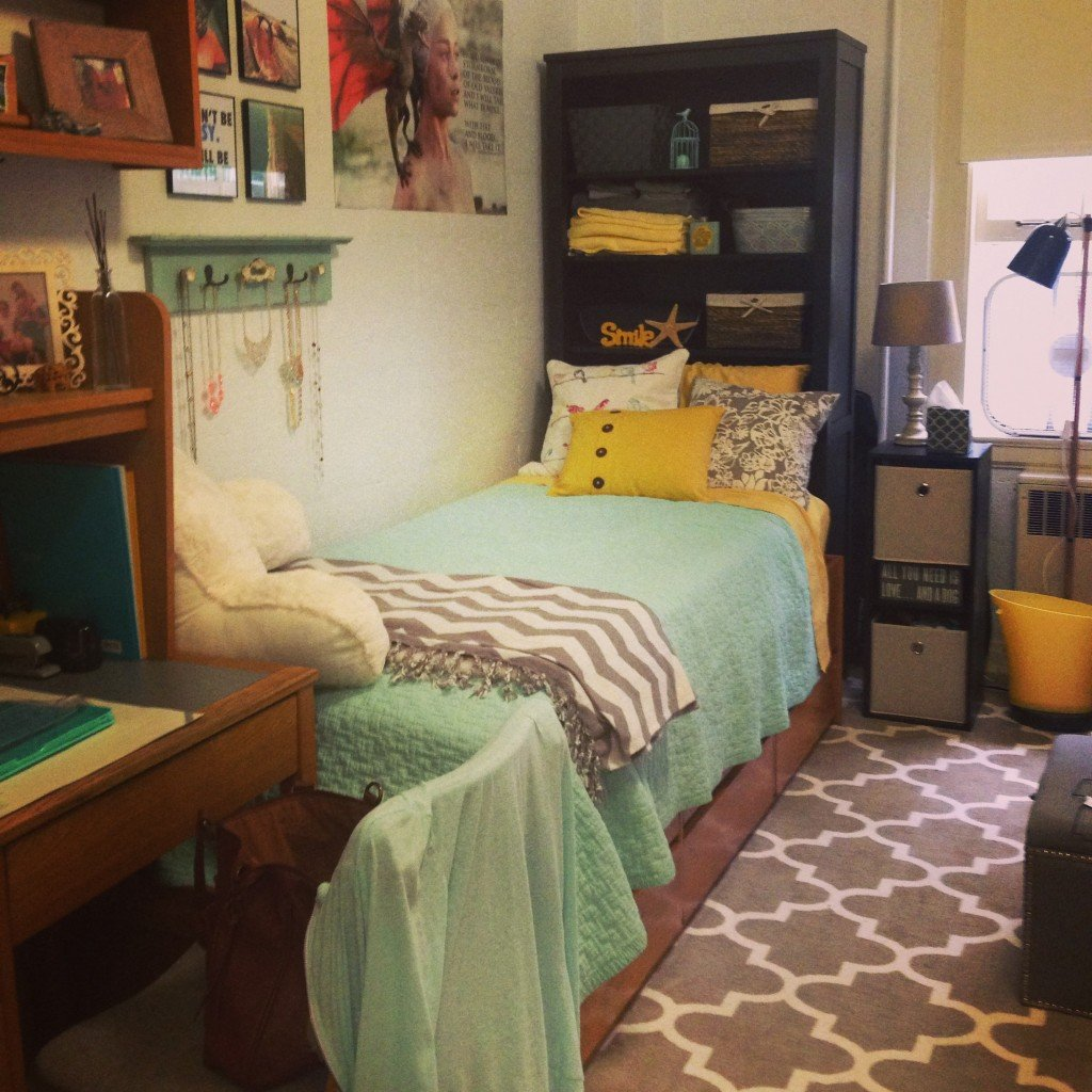 Ultimate Dorm #3: DIY Headboard And Bright Tassels Part 58