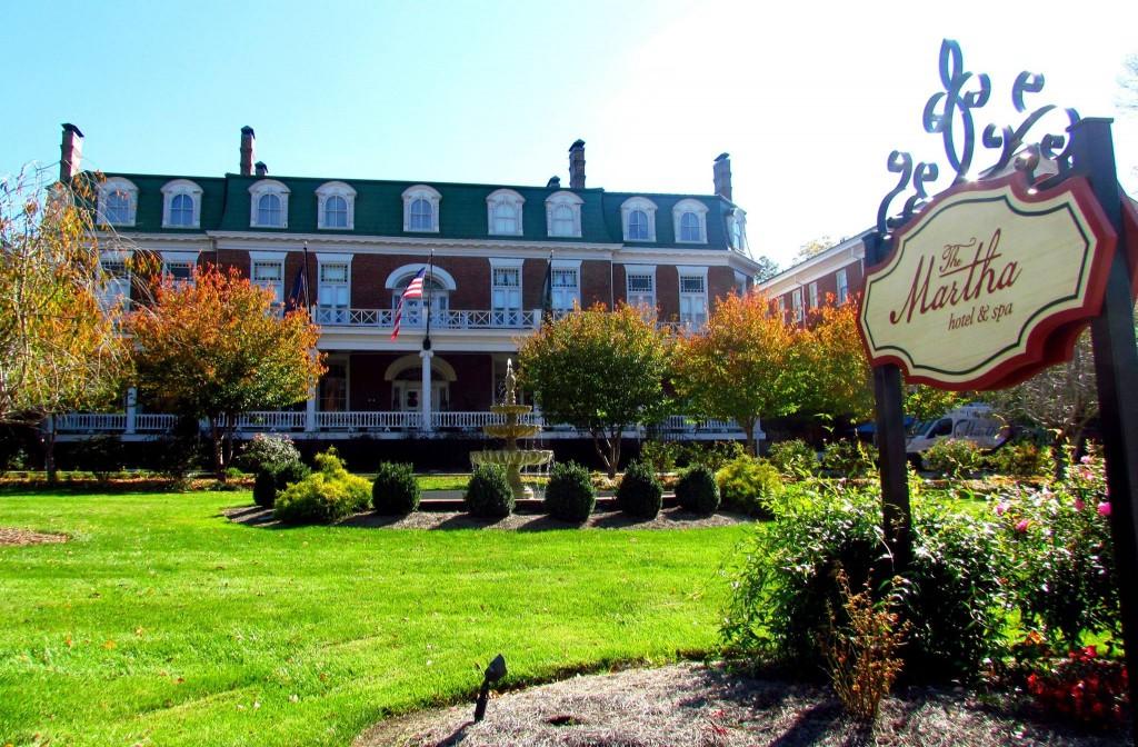 The Martha Washington Inn. Photo taken by Heath Owens