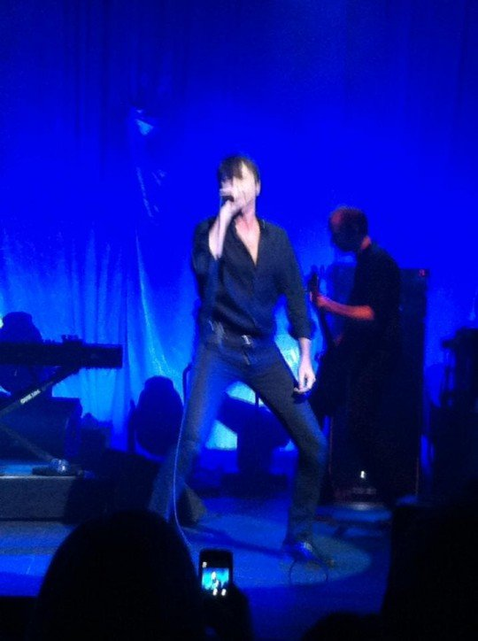 You know who's founded a career out of misery, wierd and ultimately futile sexual experience and moping around. Brett Anderson. Brett Anderson is FINE AS HELL. I rest my case.