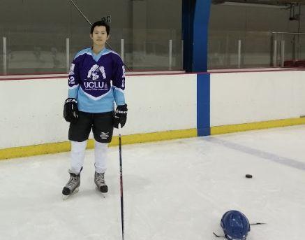 Image may contain: Hockey, Team Sport, Ice Hockey, Team, People, Sport, Skating, Rink, Ice Skating, Sports, Human, Person
