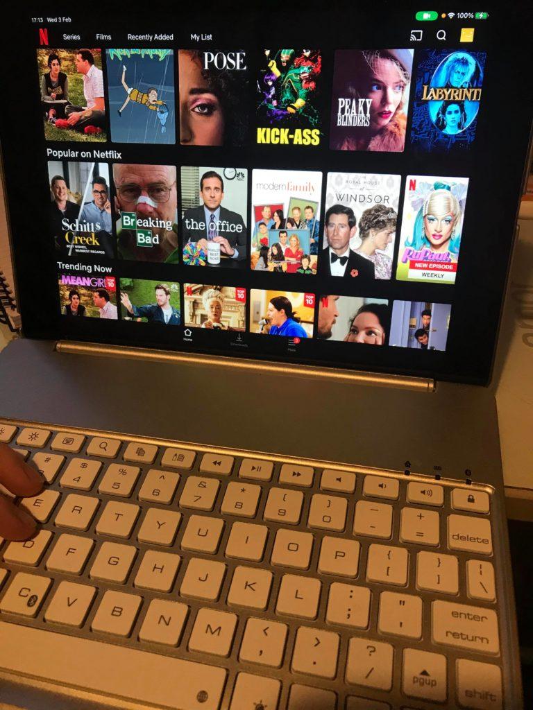 Virtual movie date