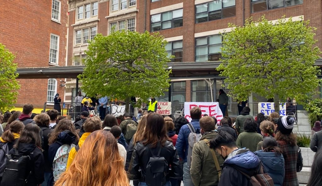 LSE, fee strike rally, students