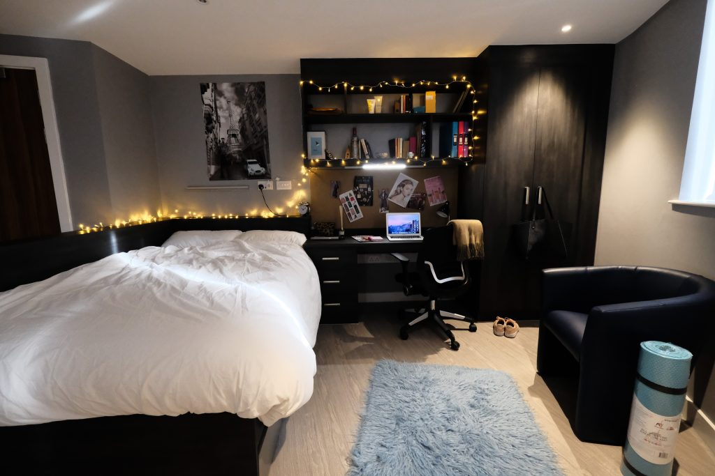 How to decorate your room to fit your cardiff stereotype - How to decorate my bedroom ...