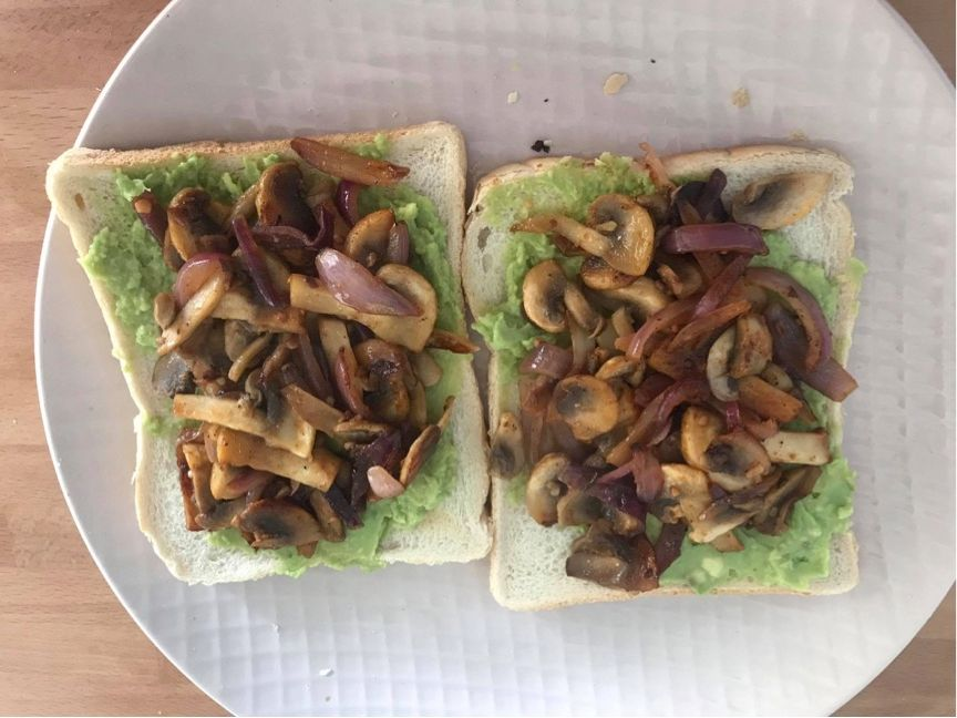 Image may contain: Sandwich, Food