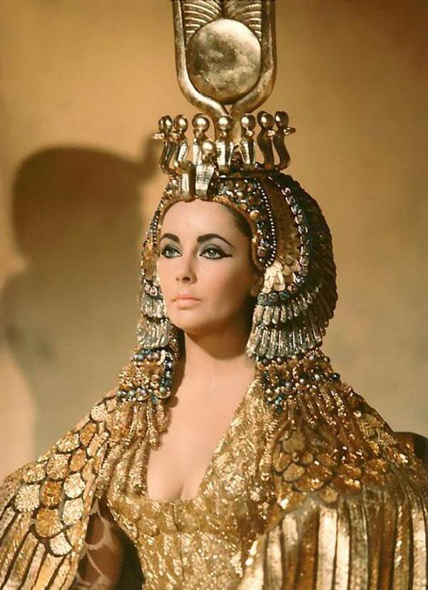 """Elizabeth Taylor in """"Cleopatra""""(1963)"""