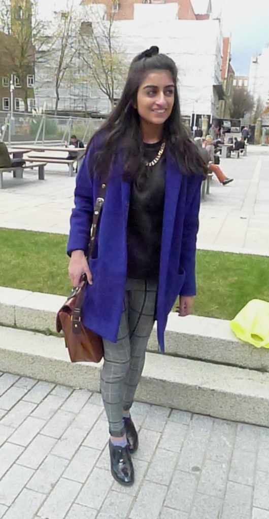 Mariam, 1st year Optometry. Mariam likes to follow blogs and read magazines. We love her River Island bag.