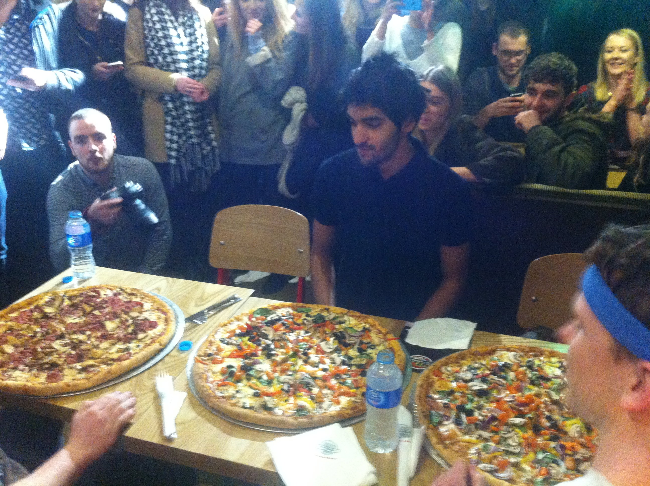 Tab Vs Food 20 Inch Pizza In 8 Minutes