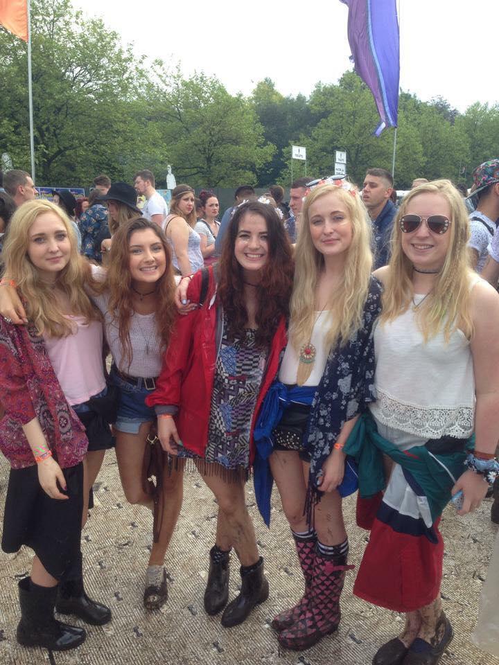 Muddy gals