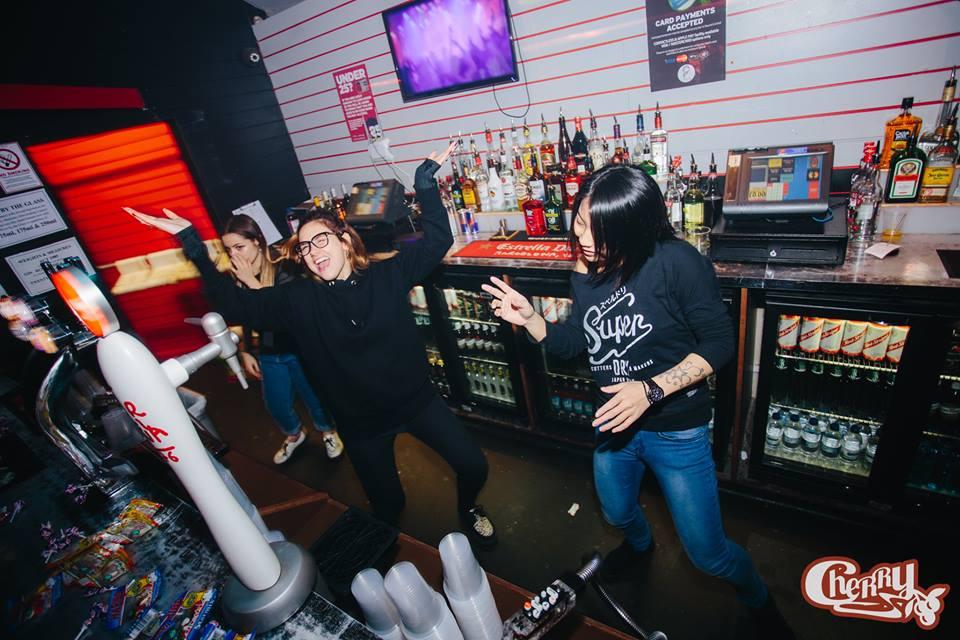 barmaids