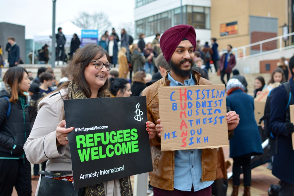 why australians should welcome refugees As someone who grew up in a church community that welcomed refugees to our country from places as far afield as vietnam and south sudan, i have always been supportive of people seeking asylum and i welcome australia's policy of accepting refugees.