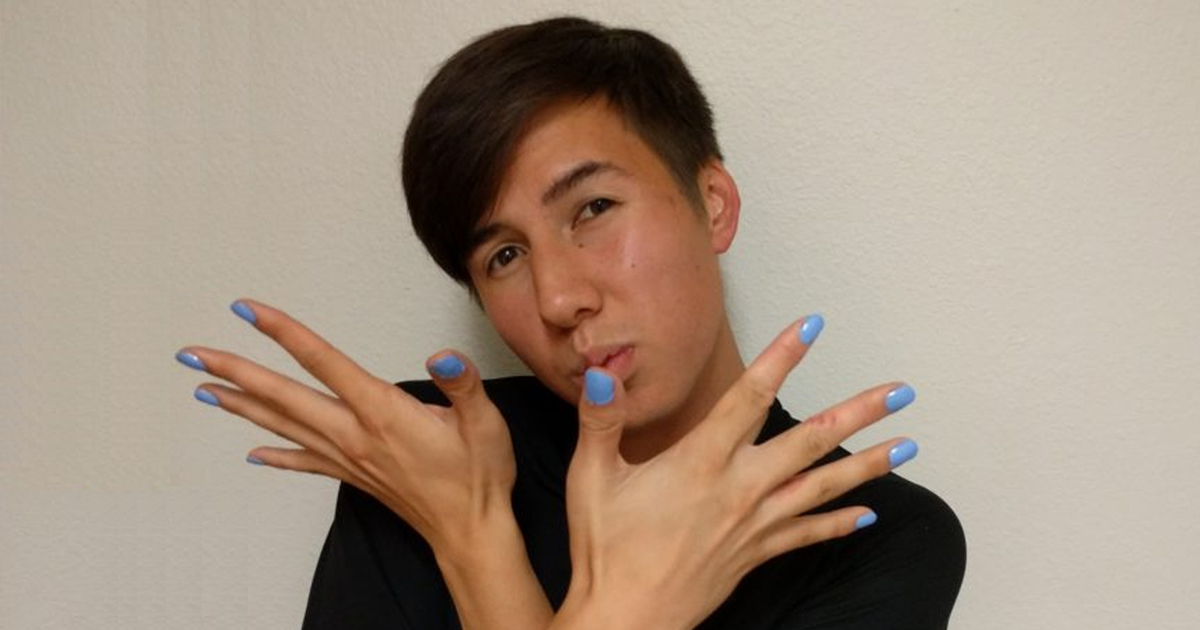 A guy paints his nails for a week and gets showered in praise