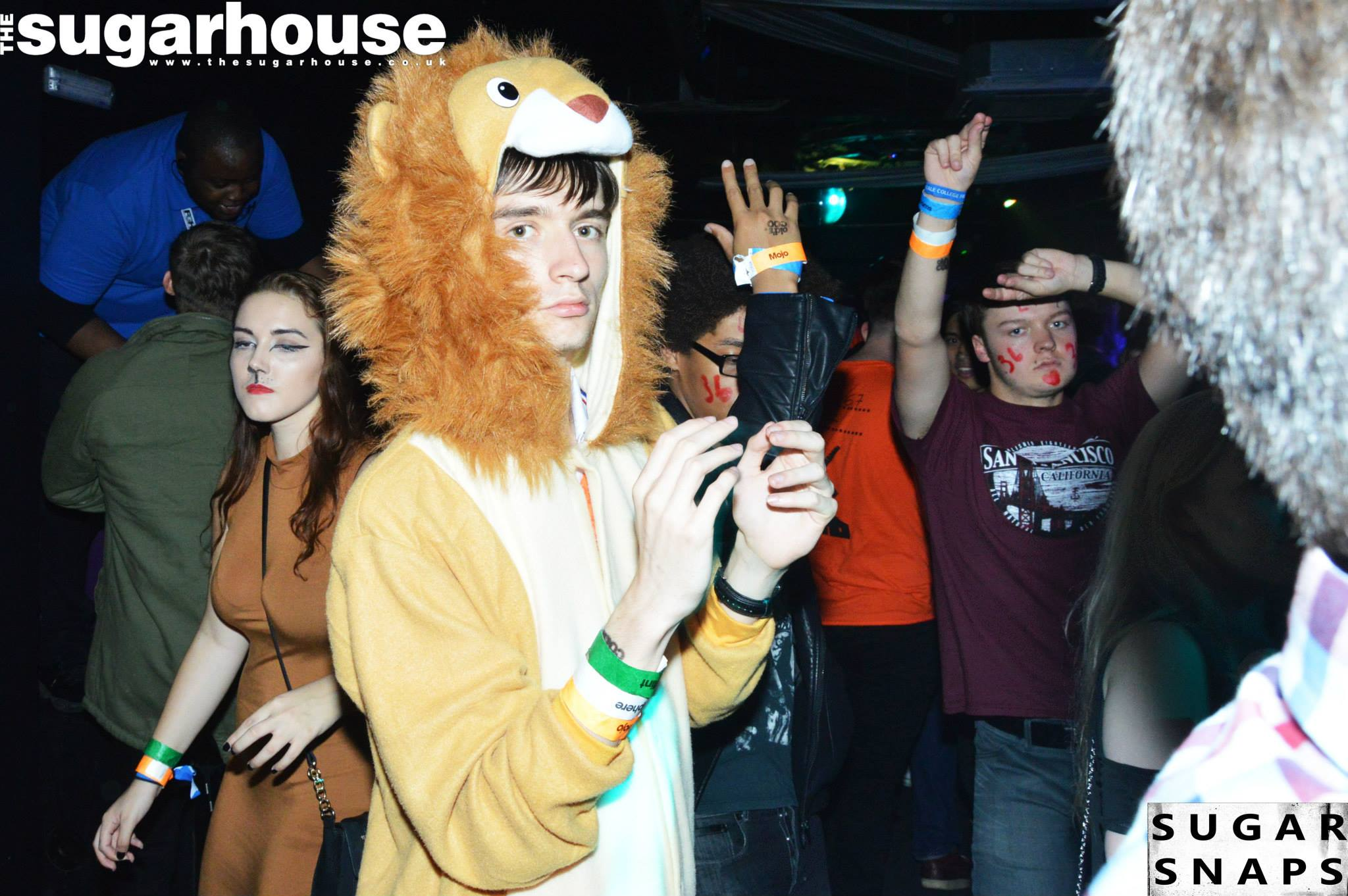 """""""Yeah i'm a lion init, rawr and all that"""""""