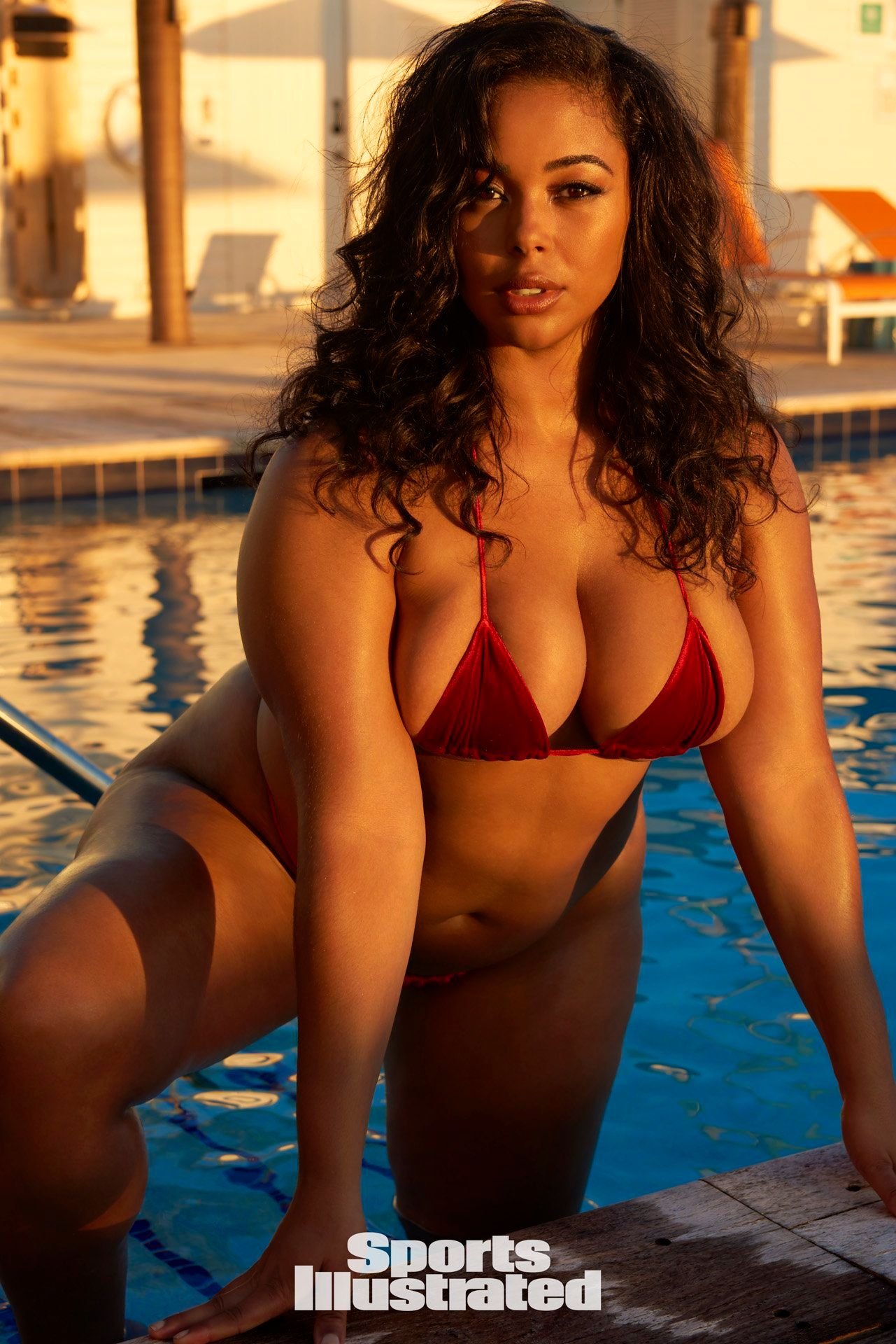 Size swimsuit illustrated Plus model sports