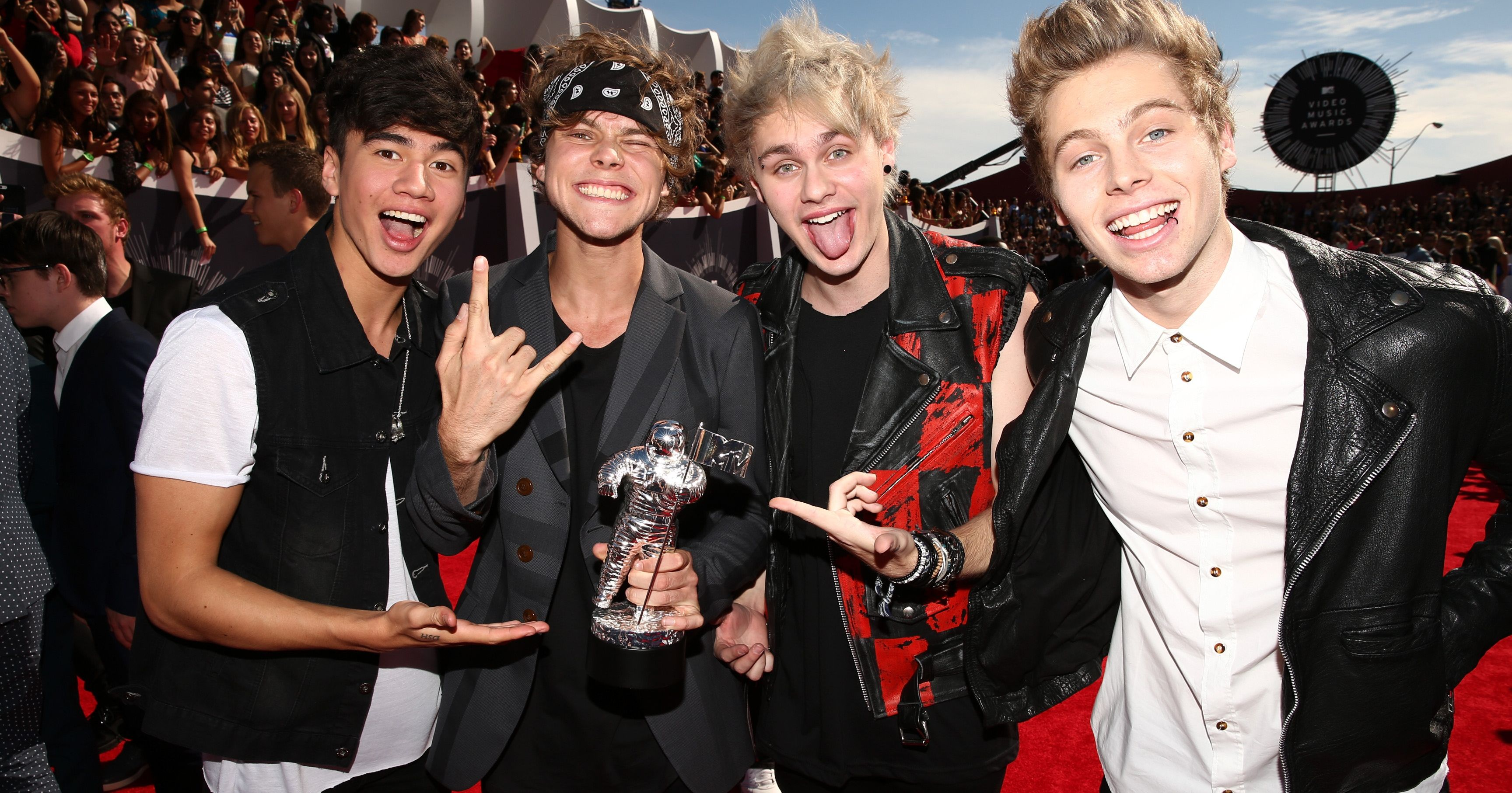 5 Seconds of Summer fans are mad at this