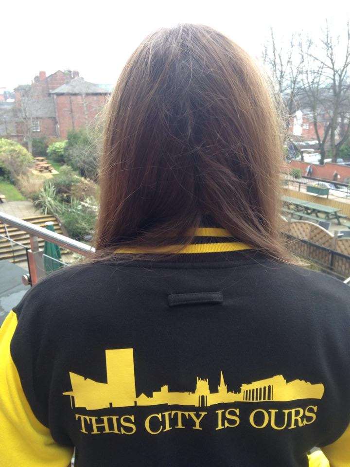 laura jacket back