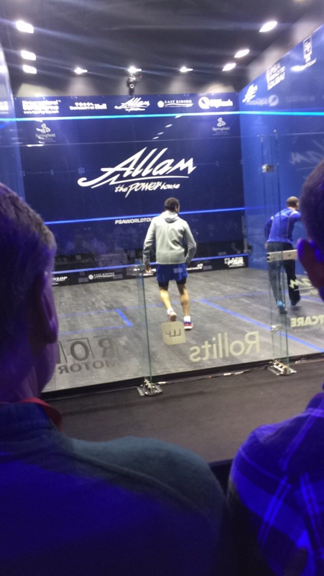 The crowd favourite, Rami Ashour, warming up before the semi-final against Gregory Gaultier