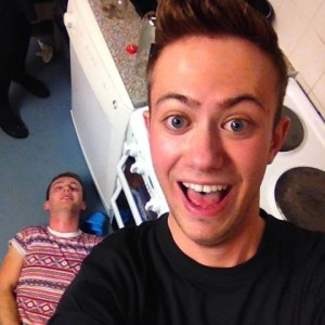 """We all love a """"my mates absolutely smashed"""" selfie"""