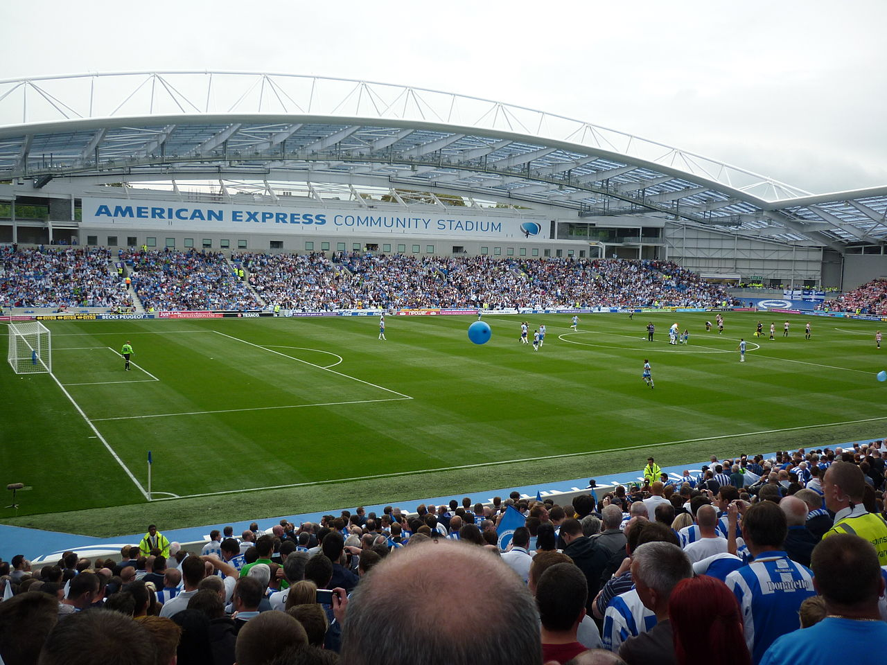 1280px-Falmer_Stadium_-_League_debut
