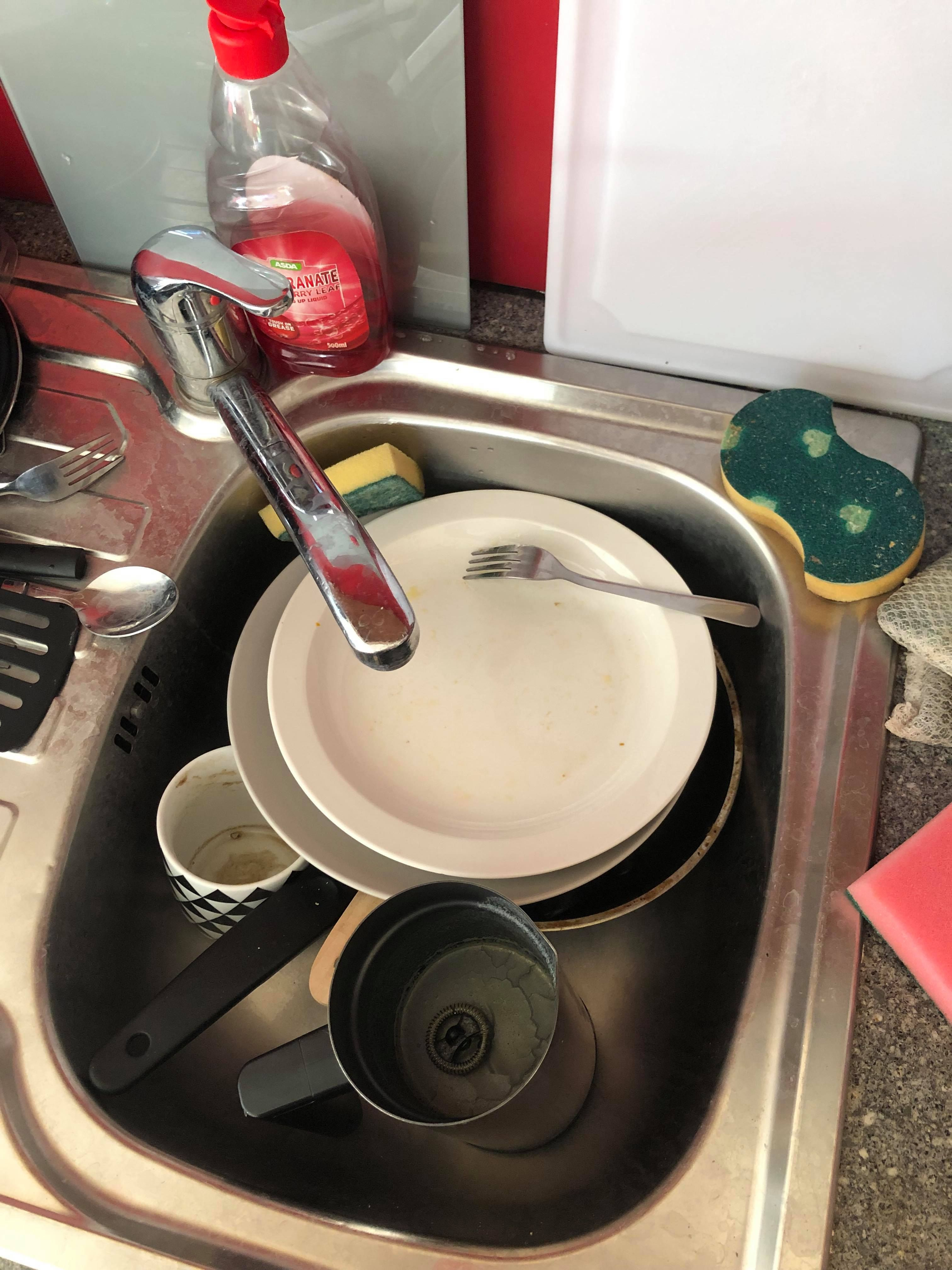 Image may contain: Tire, Wheel, Alloy Wheel, Spoke, Machine, Bowl
