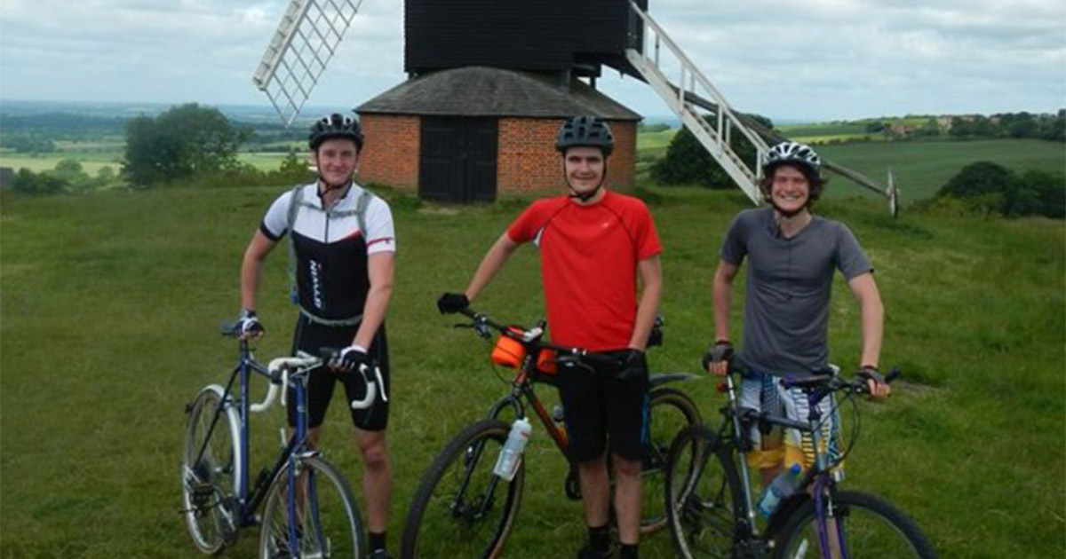 Inspirational Grads To Cycle 1 000 Miles In Memory Of