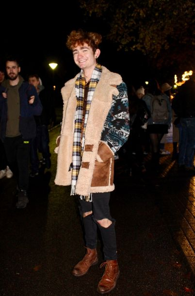 Image may contain: Blazer, Jacket, Coat, Person, Human, Apparel, Clothing