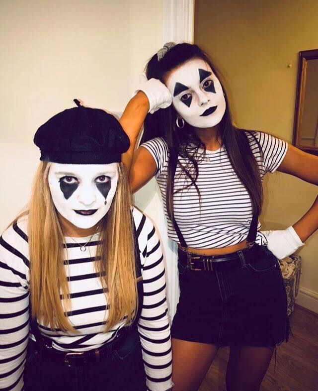 Image may contain: Costume, Clown, Mime, Performer, Person, Human