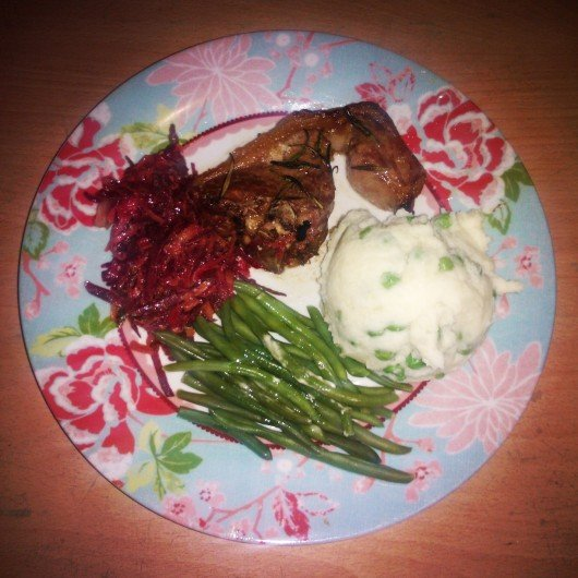 Serve your meat with your veg and potatoes et voila, you have a balanced, healthy and delicious meal.