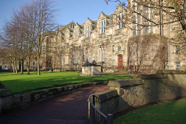 New_King's,_University_of_Aberdeen_-_geograph.org.uk_-_1578473