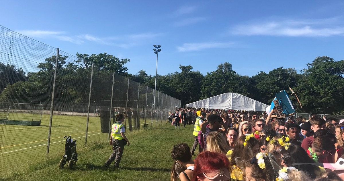 Image may contain: Festival, Crowd, Person, People, Human