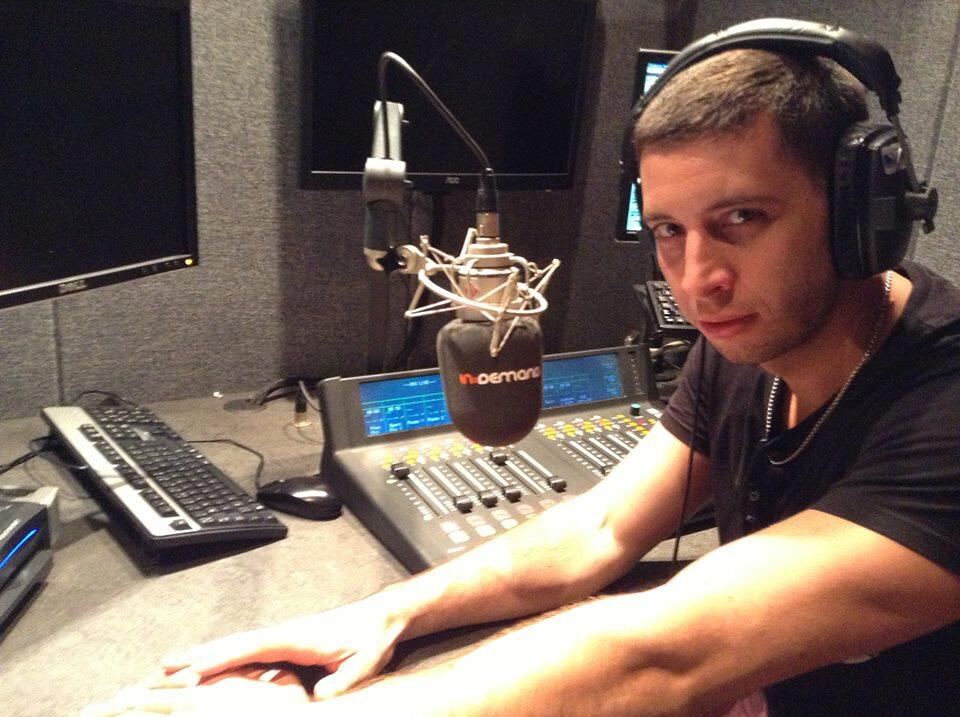 Elliot_John_Gleave_during_radio_interview