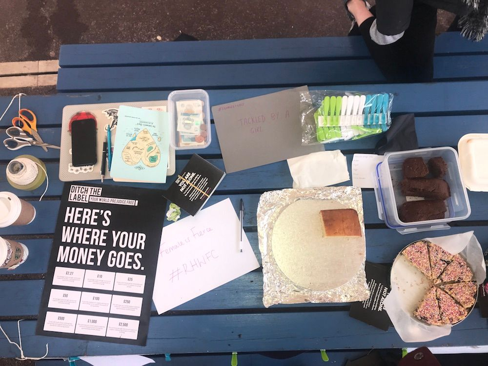 Image may contain: White Board, Fudge, Cocoa, Chocolate, Food, Dessert, Cake, File Binder