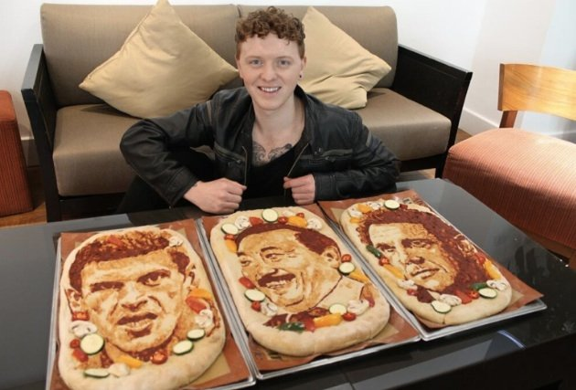 Spot the celebs! - Pizza portraits