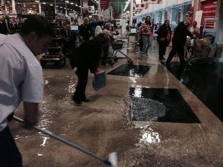 cardiff-flooding-tesco