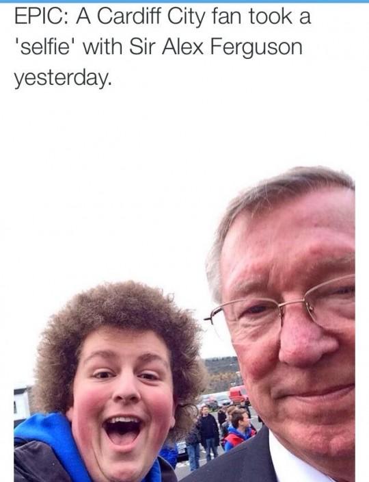 A classic 'fan' selfie.