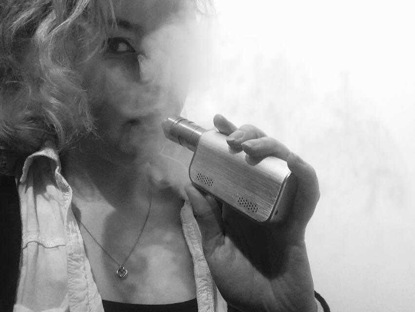 n.b most vapes come with a free black and white filter