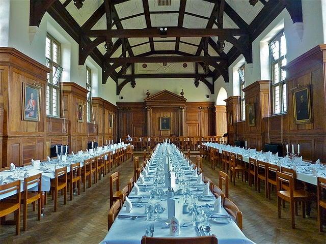 640px-Dining_Hall,_Selwyn_College,_Cambridge