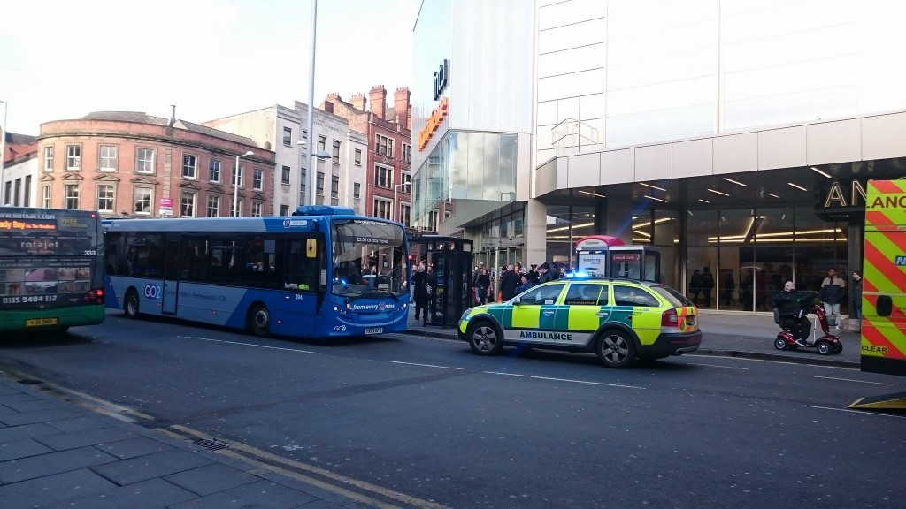 Lower Parliament and Milton Street closed after bus collision this