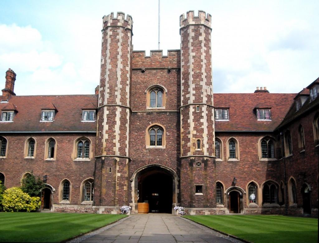 Cambridge_Queens'_Gatehouse