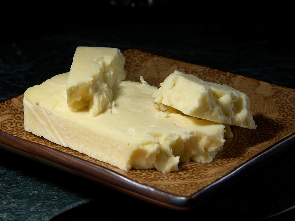 Wensleydale_cheese_2