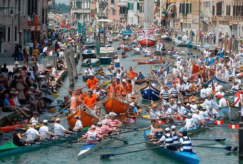 vogalonga_boat_race-traffic-jam