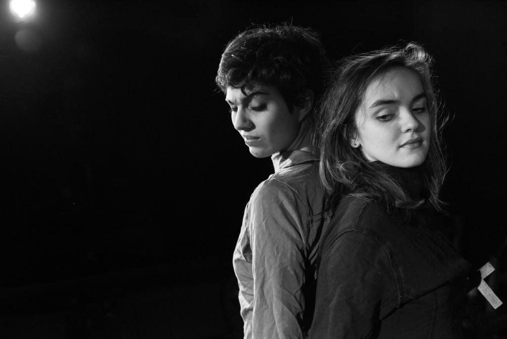 Xelia Mendes-Jones and Isobel Ladler. (Photo Credit: Johannes Hjorth)