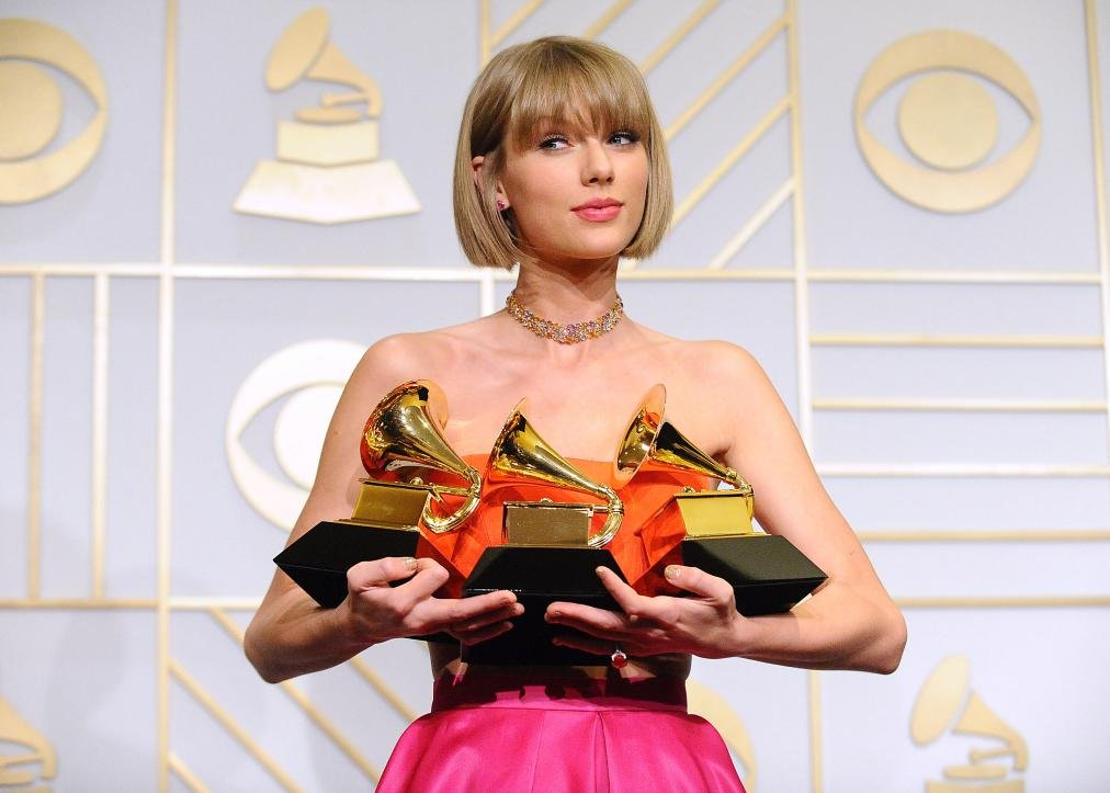 grammys-2016-taylor-swift