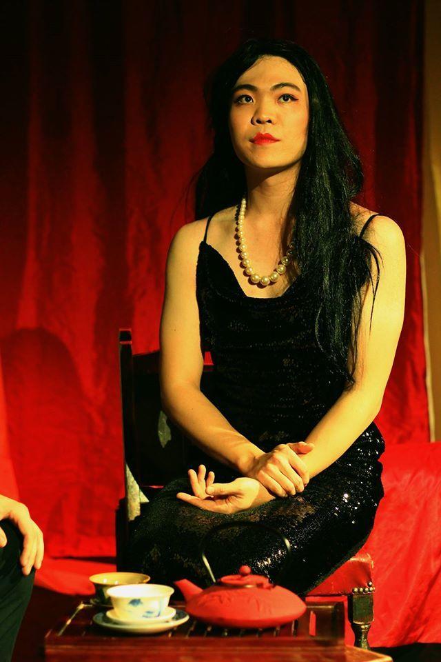Jiwoo Yoo as Song cr. Kaye Song