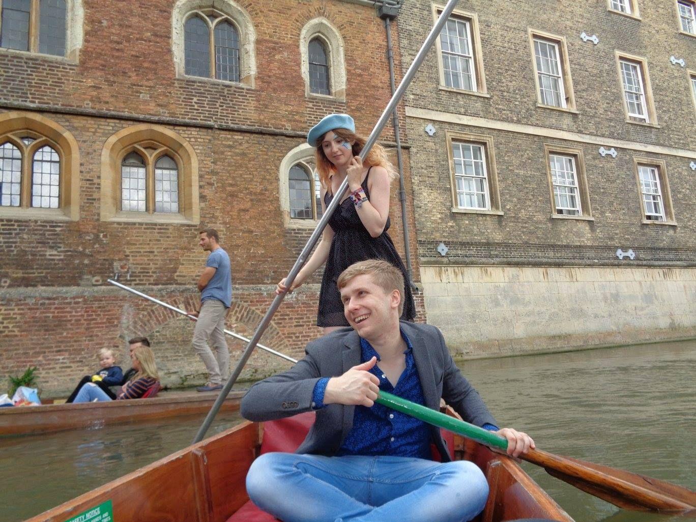 Image may contain: Pole, Watercraft, Rowboat, Canoe, Racket, Paddle, Gondola, Boat, Human, Person, People