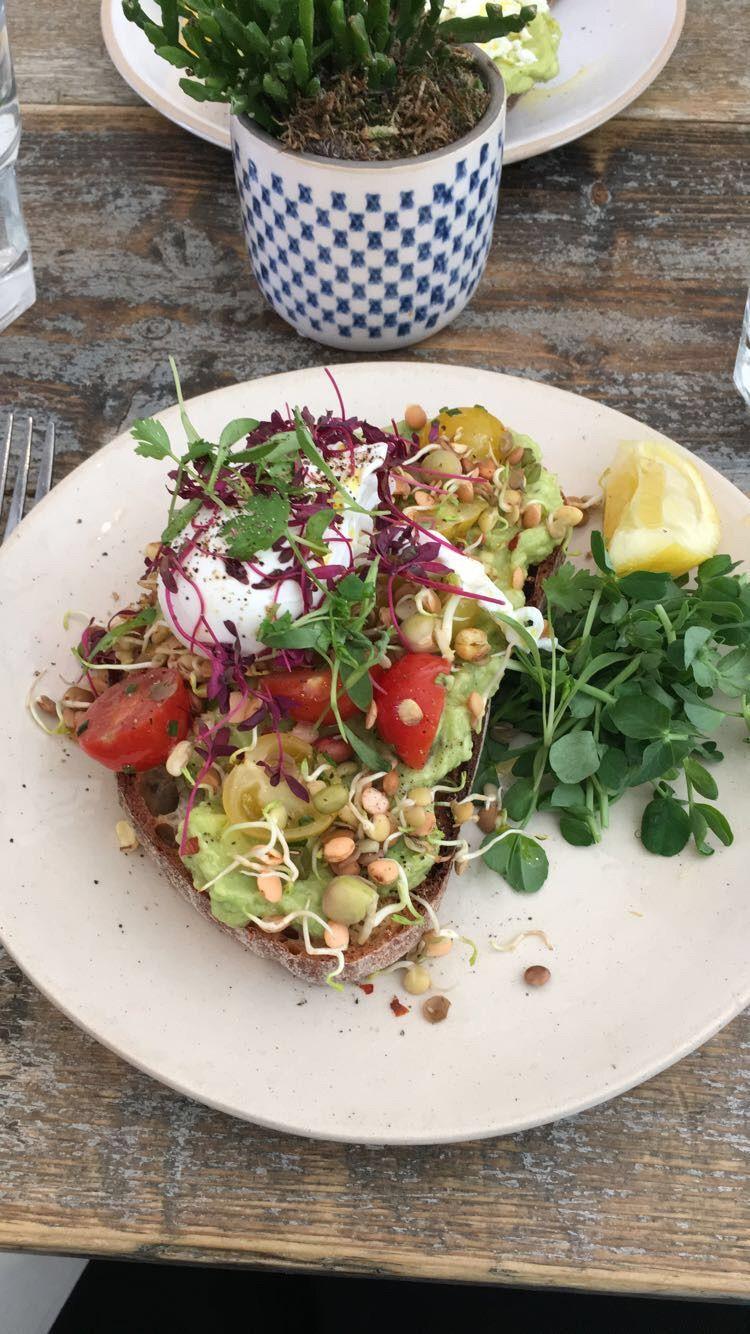 Image may contain: Salad, Vegetable, Produce, Plant, Food, Flora, Arugula, Bowl