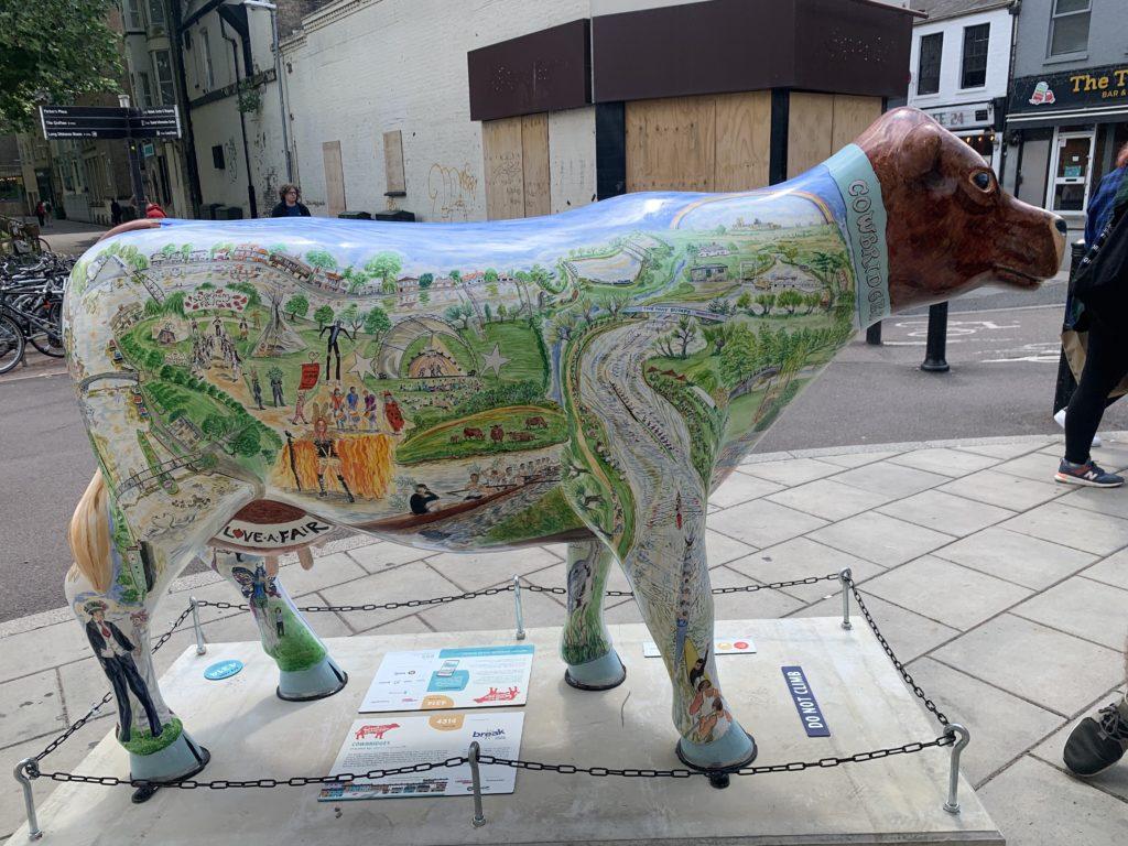 Cow with decoration of bridges of Cambridge
