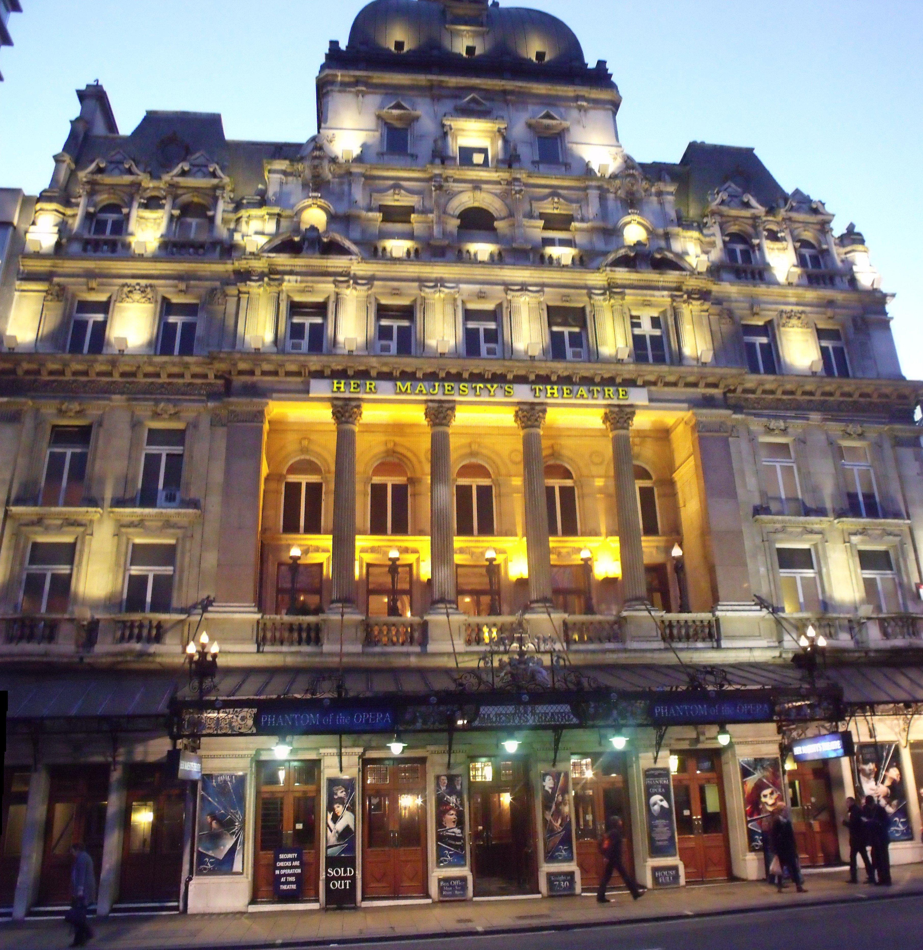 Her_Majestys_Theatre_-_Haymarket,_London_-_The_Phantom_of_the_Opera_(6438904139)