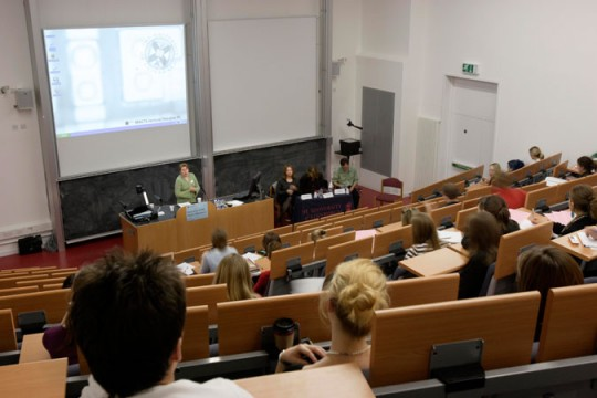 Heated atmosphere in lecture-hall