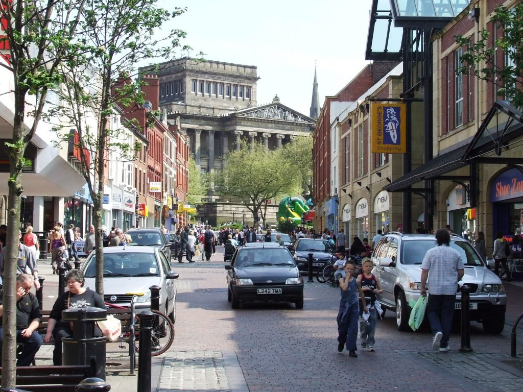 friargate_preston_on_a_busy_weekday_afternoon_-_geograph-org-uk_-_1710831